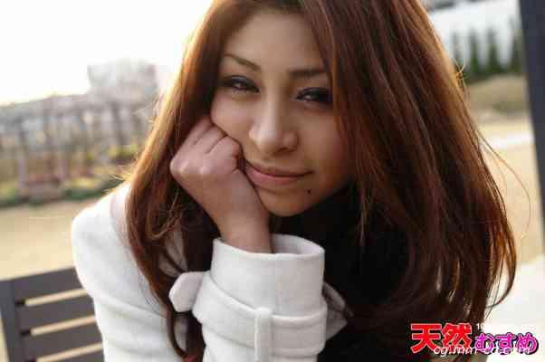 10musume 2012.05.26 天然びじん  ハーフ美女はフェラ颜も美しかった  ユリア