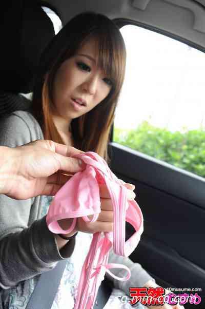 10musume 2012.08.31 Tバックのビキニを着させてプチ露出 澤村れいか
