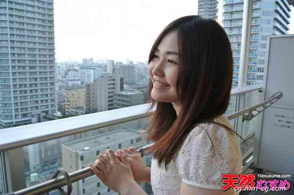 10musume 2012.11.15 阳台小型曝光露出 小森诗织