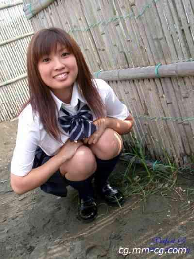 G-AREA No.112 - emiri  えみり 19歳 B83 W59 H85