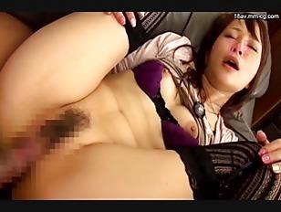 NATR-481-[中文]慾求不滿的人妻以巨乳壓我還大露內褲色誘我.我忍不住老二勃起到褲子都快破了.當她發現我勃起的肉棒時忍不住大量分泌愛液還主動騎上來!3