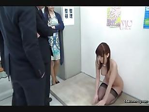 SVDVD-470-[中文]因滲入異物而來道歉的女部長下跪!!看到眼前因為若隱若現的乳溝及內褲而勃起得又硬又大的肉棒,忍不住說「你想怎麼樣都可以,請原諒我吧」 波多野結衣