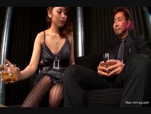 GSPA-001-[中文]我忍不住盯著上班大姐姐穿著制服的模樣時她故意露出丁字褲色誘我!!不知是不是我勃起肉棒插入她太爽了最後她以高超技巧讓我射精了!!