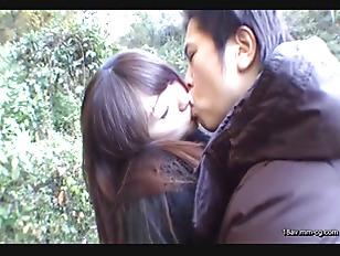 NASS-250-[中文]兩天一夜溫泉旅行不倫妻 小穴被陌生客人看到忍不住中出啦!