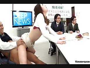 DVDES-846-[中文]強暴合法的世界 2 ~在大眾面前被插不停!!想要強暴的瞬間馬上插入!!大白天就正大光明的讓女人受孕!!~