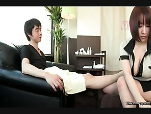 SW-340-[中文]從腳底按摩店的制服裡掉出來的巨乳讓我起了反應。