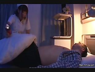 AP-181-[中文]實習護士變態 第一次夜間實習還無法順利撫摸男性身體的單純實習護士被勃起肉棒不斷摩擦愛撫到發情卻無法出聲!!