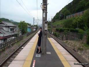 KIL-017-[中文]在地方車站月台偶然10秒四目相接的女人可以上嗎?