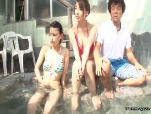 AP-147-[中文]超級渡假聖地癡漢 在大受年輕女性歡迎的超級渡假聖地假扮成清潔員,偷偷趁周圍的人不注意對看起來清純的巨乳比基尼正妹性騷擾讓她們爽到不敢發出聲!!