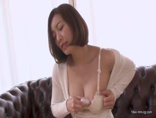 CARIB-010619-831-[無碼]最新加勒比 010619-831 美麗的蕩婦 看到手淫而無法拒絕 HITOMI
