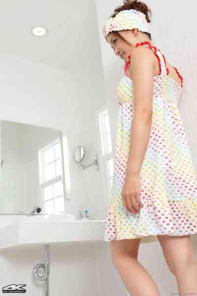 4K-STAR No.00062 Rina Itoh 伊東りな Face Wash · Bathroom