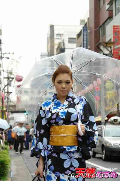10musume 2012.09.01 浴衣の襟元から19才の巨乳を鷲づかみ 松田絢