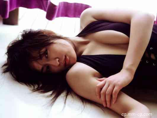 DGC 2005.11 - No.186 - Kana Ito 伊藤かな