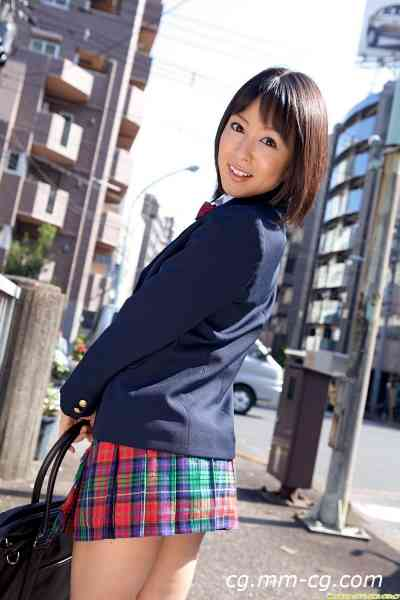 DGC 2011.08 - No.968 Nana Nanaumi (七海なな)