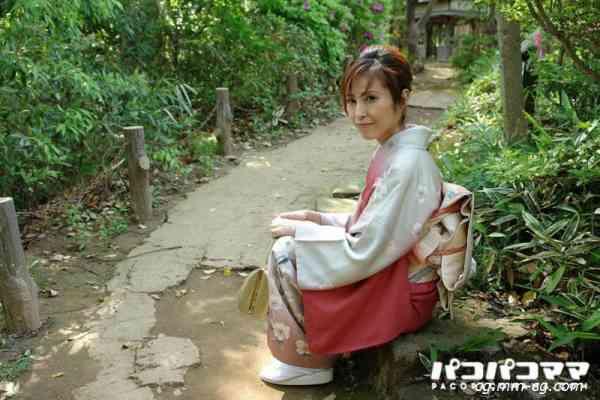 Pacopacomama 082812-726 着物の似合う新妻は巨乳美人 大崎裕美