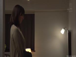 JUY-602-[中文]穿著衣服沉溺在外遇裡的,完全緊身著衣性交。 澤村麗子 澤村レイコ  澤村玲子